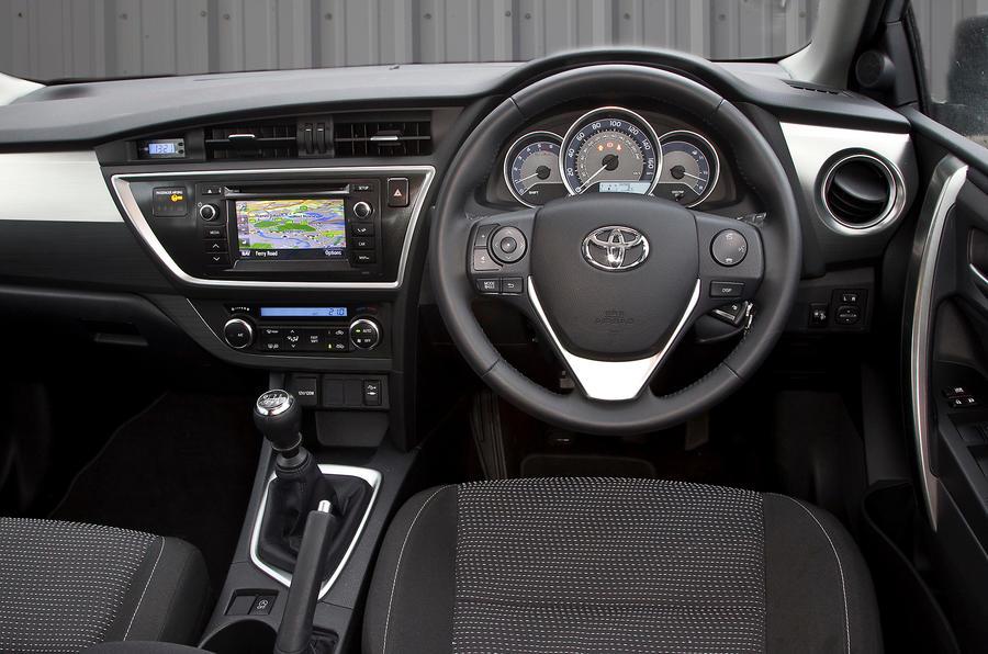 Toyota Auris dashboard