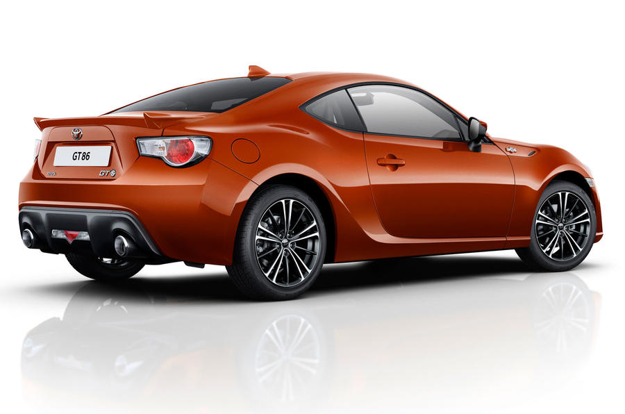 Toyota cuts GT86 price by £2500