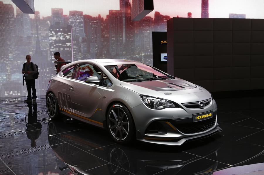 Vauxhall Astra VXR Extreme revealed – updated with video