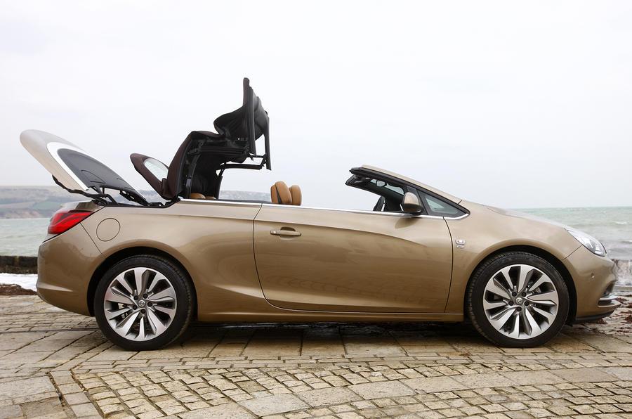Vauxhall Cascada folding roof