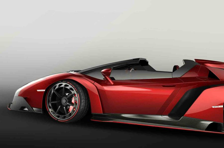 Lamborghini to build nine Veneno Roadsters