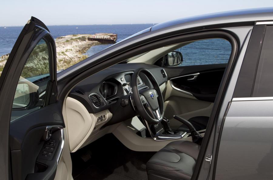 Volvo V40 Drive-E D4 interior