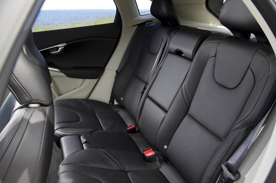 Volvo V40 Drive-E D4 rear seats