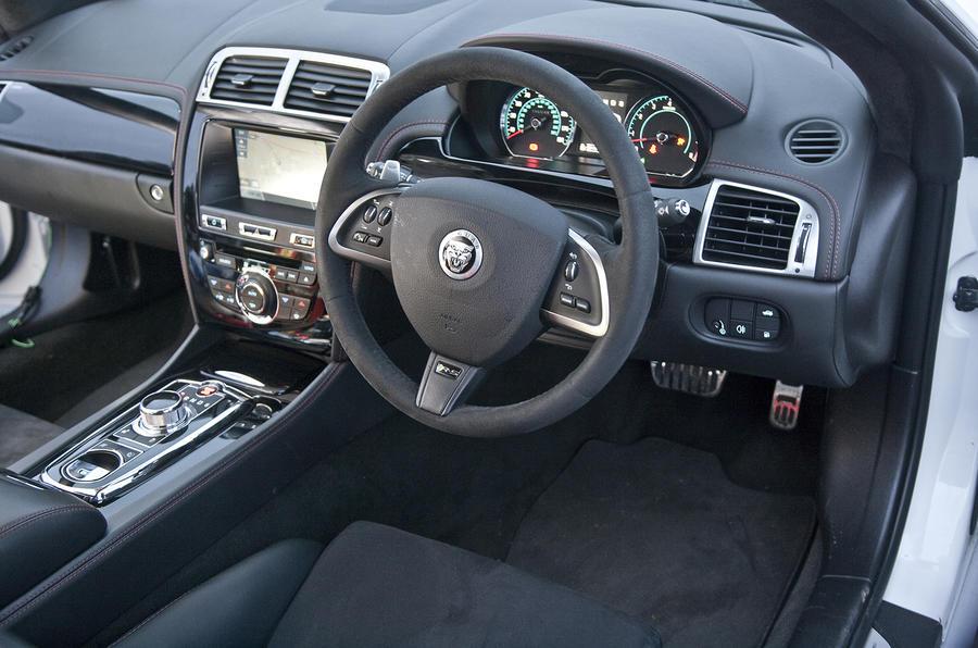 Jaguar XKR-S GT dashboard