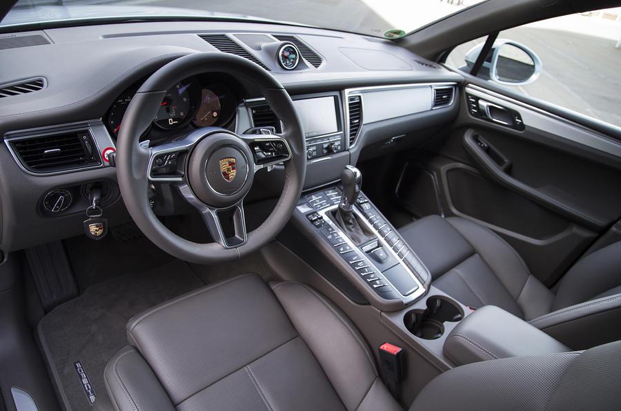 Porsche Macan S Diesel dashboard