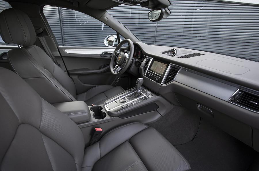 Porsche Macan S Diesel interior