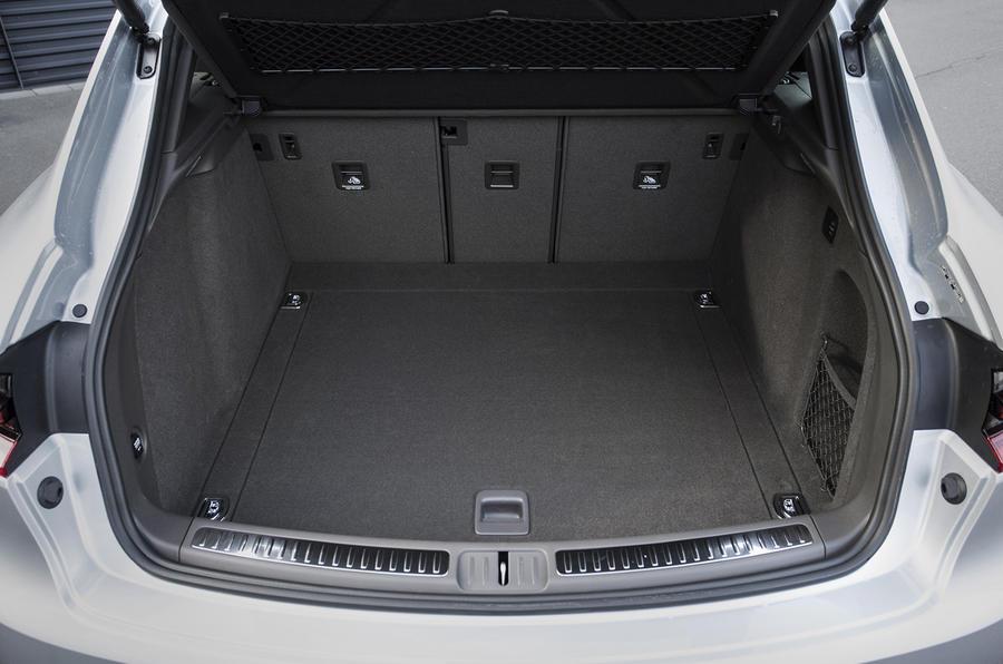 Porsche Macan S Diesel boot space
