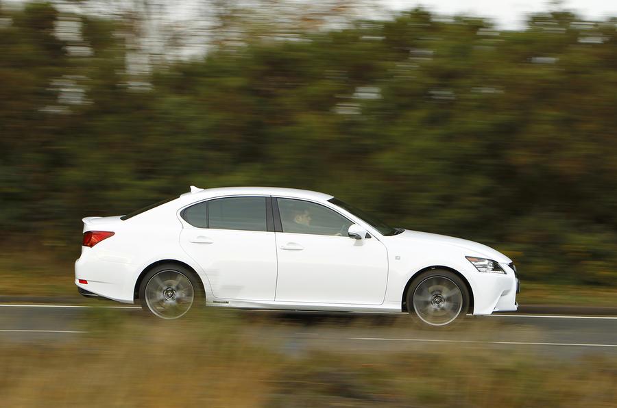 Lexus GS300h side profile