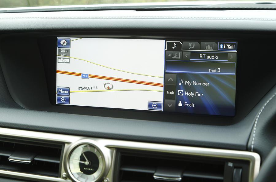 Lexus GS300h infotainment