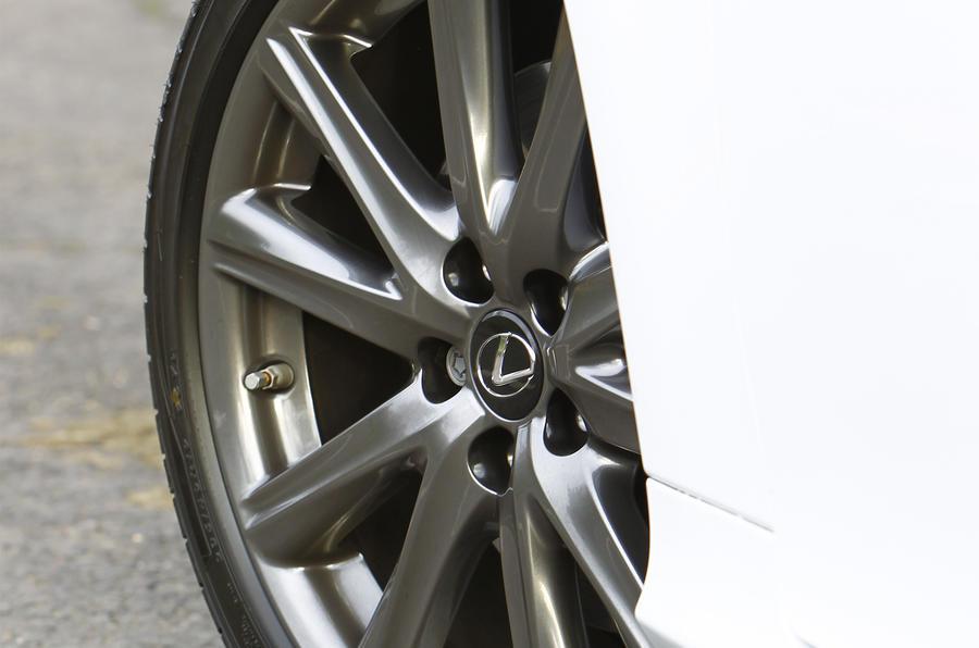 Lexus GS300h alloy wheels