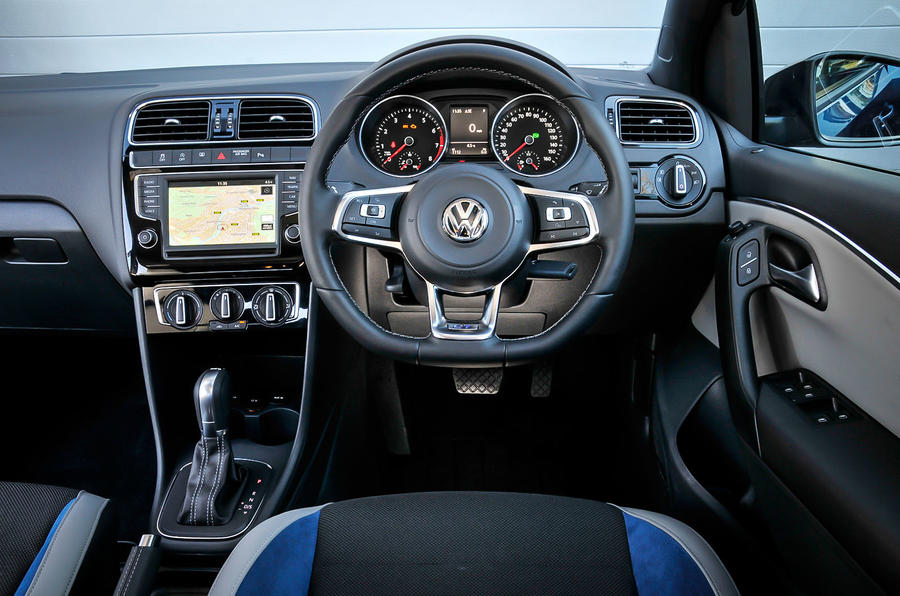 volkswagen polo interior 1 car interior design. Black Bedroom Furniture Sets. Home Design Ideas