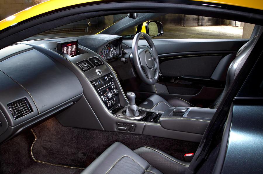 V8 Vantage N430 cabin