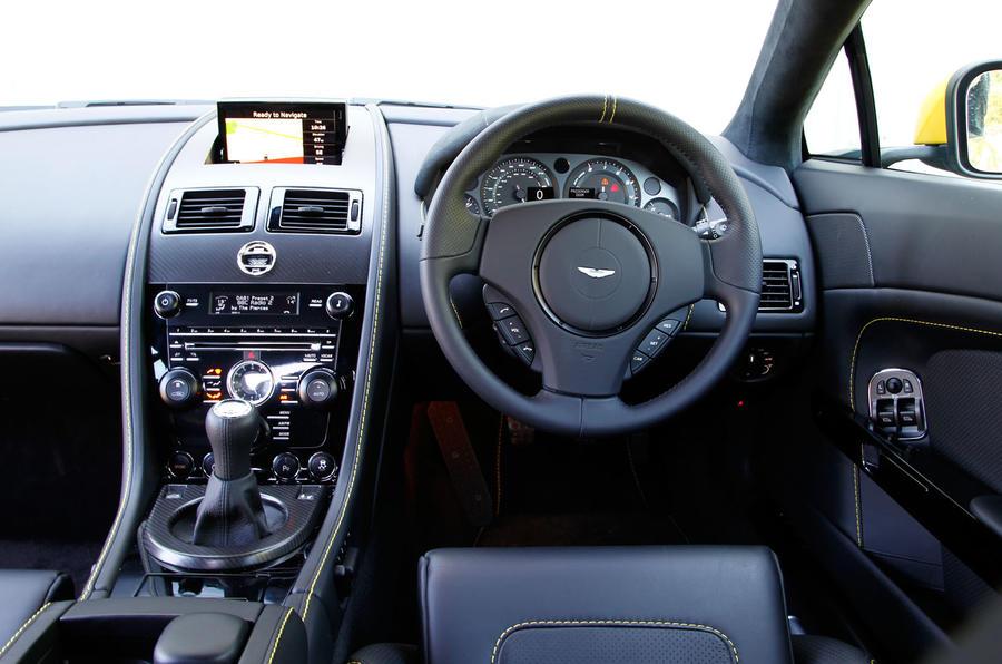 V8 Vantage N430 interior