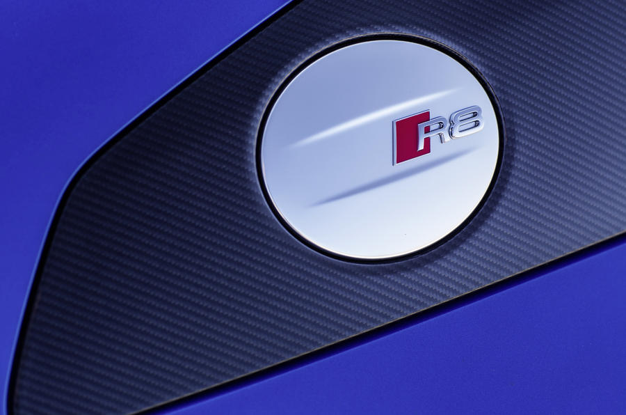 Audi R8 V10 Plus's fuel cap