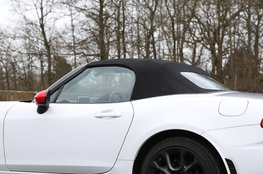 Abarth 124 Spider roof up