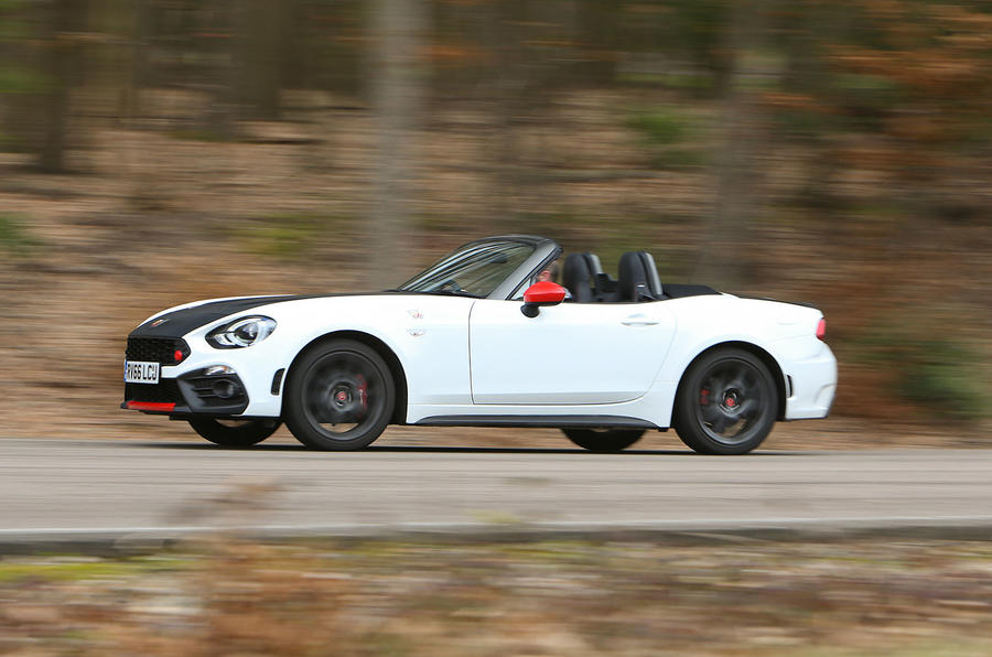 Abarth 124 Spider side profile