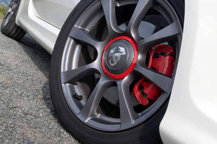 Abarth 595 alloy wheels