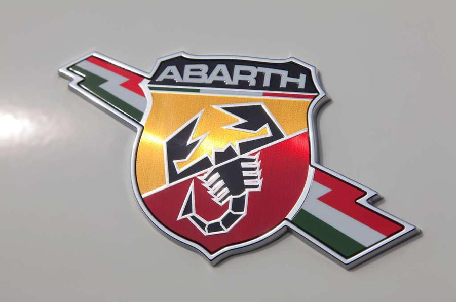 Abarth 595 badging