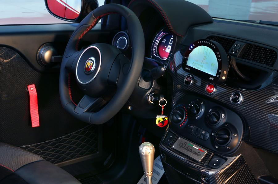 Abarth 695 interior