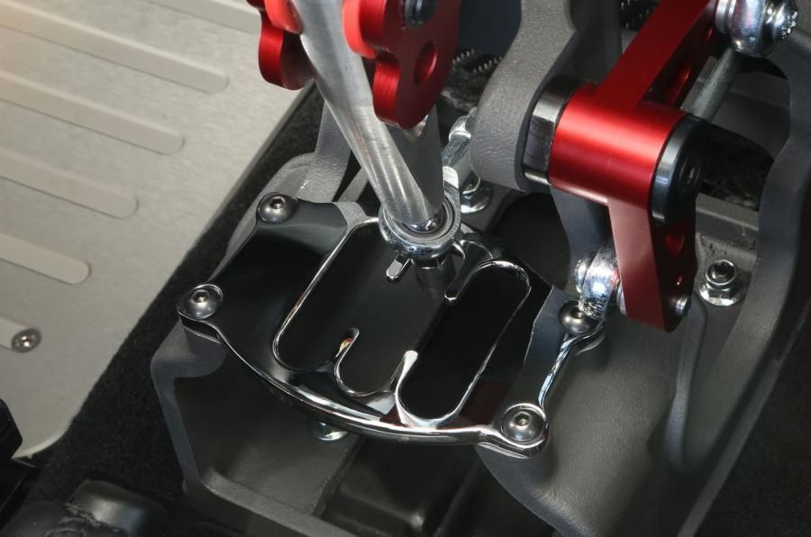 Abarth 695 sequential gearbox