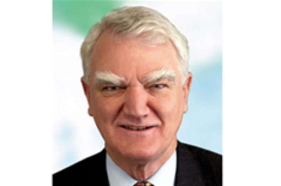 Ex-Shell boss calls for gas-guzzler ban