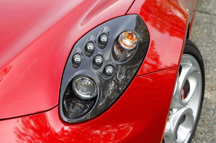 Alfa Romeo 4c Coup 233 Offered With New Headlight Design