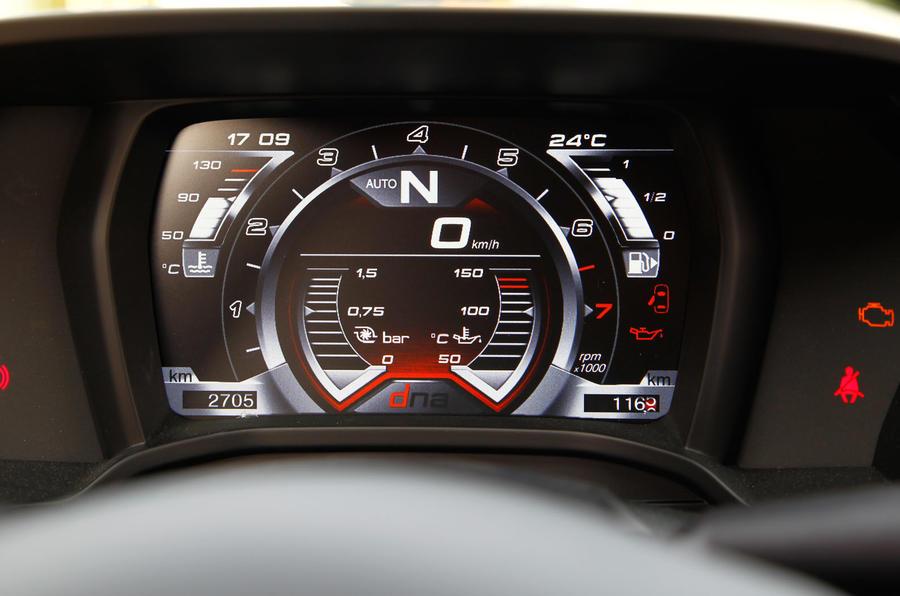 Alfa Romeo 4C's digital instrument cluster
