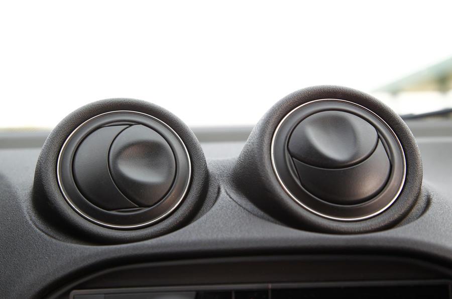 Air vents on the Alfa 4C
