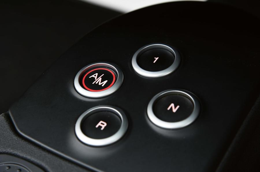 Alfa 4C Spider's auto gearbox