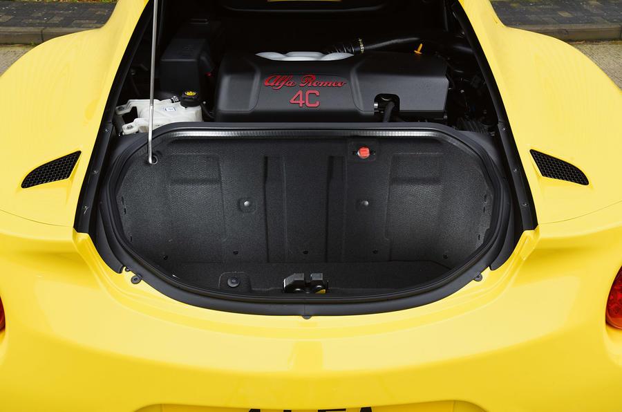 Alfa 4C Spider's boot space