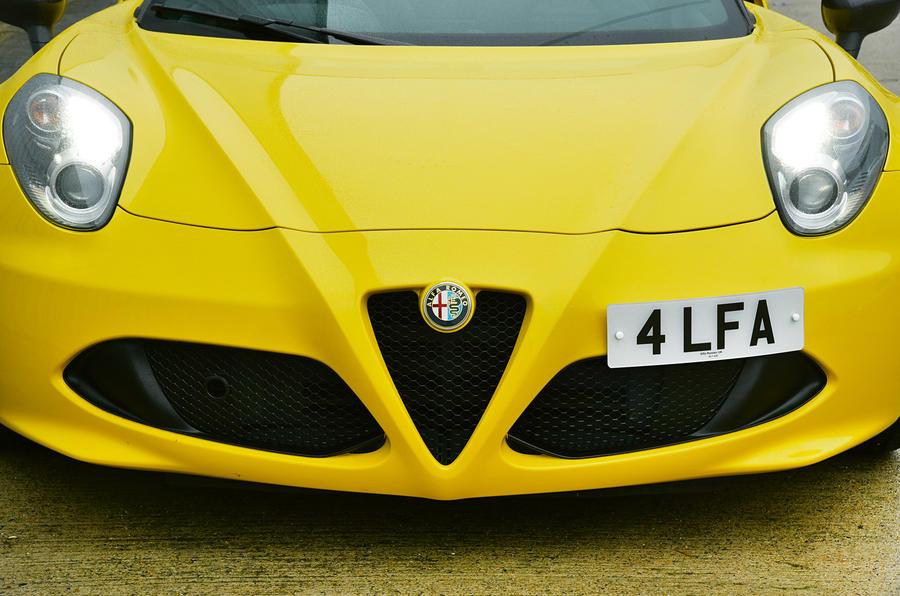 Alfa Romeo 4C Spider's face