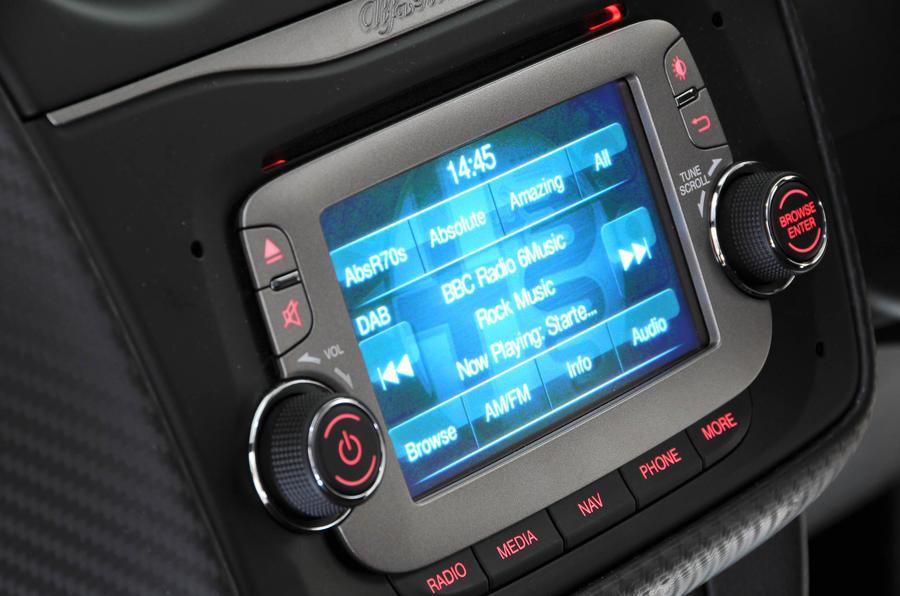 Alfa Romeo Mito Uconnect infotainment
