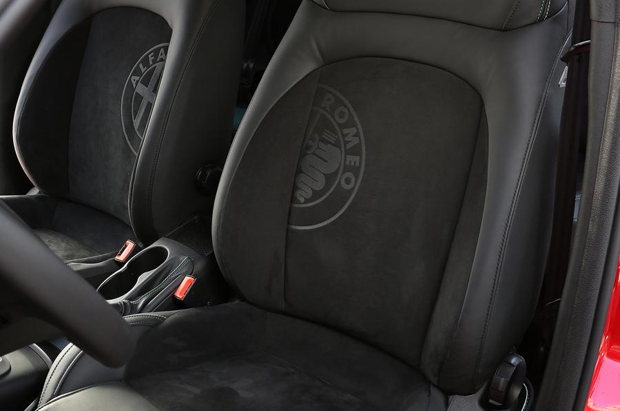 Alfa Mito Inside >> New top-spec Alfa Romeo Giulietta Quadrifoglio Verde to cost £28k | Autocar