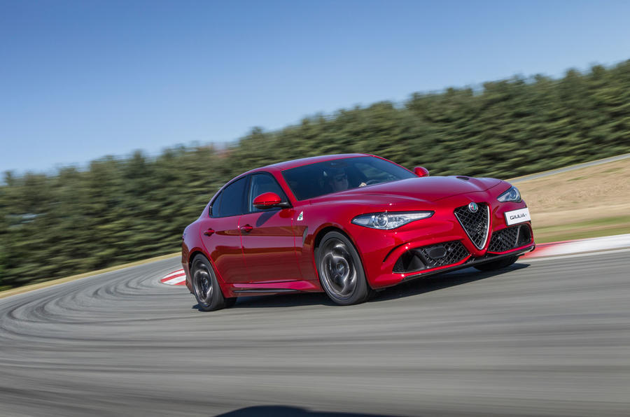 Alfa Romeo Giulia Quadrifoglio cornering