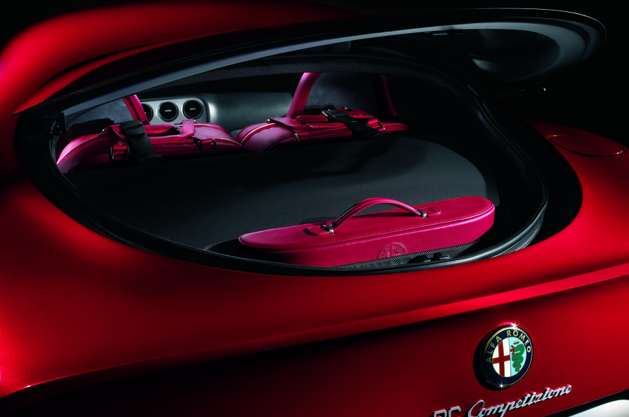Alfa Romeo 8C boot space