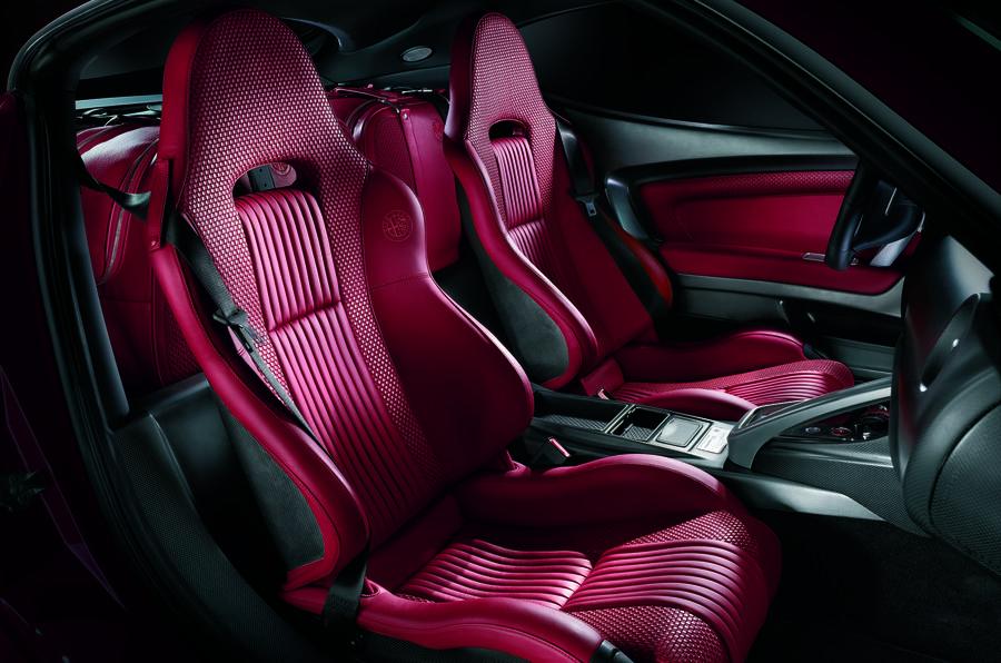 Alfa Romeo 8C interior