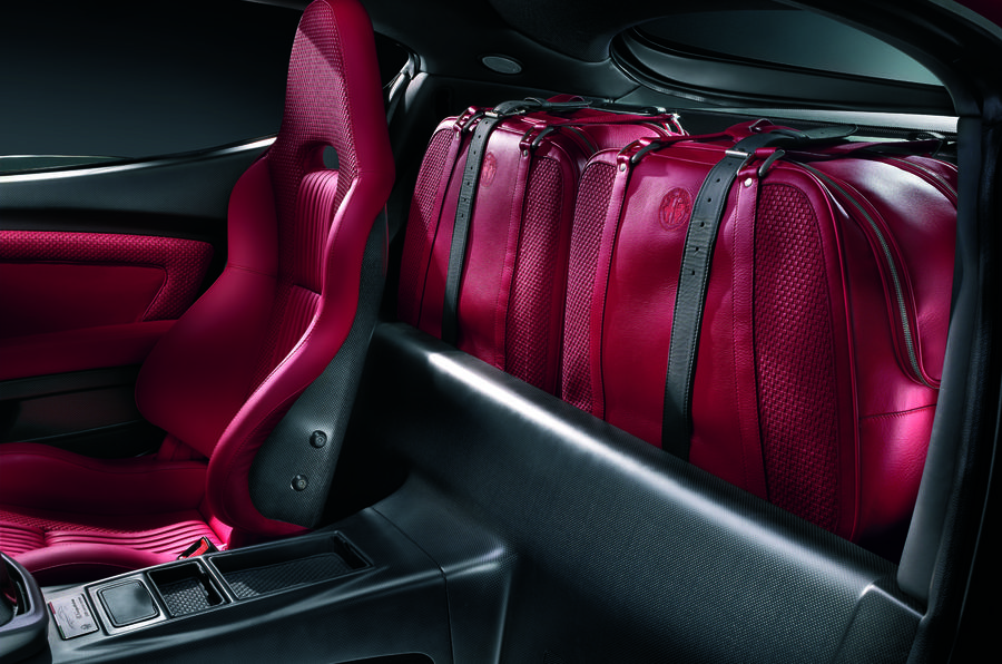 Alfa Romeo 8C rear luggage space