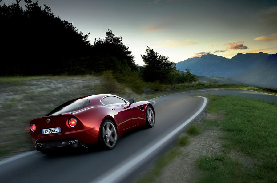 Alfa Romeo 8C rear cornering