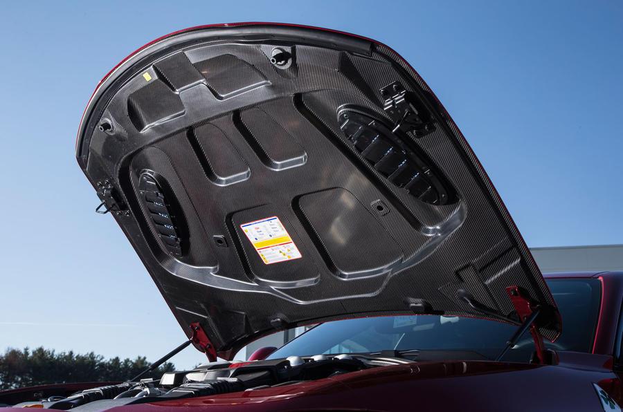 Alfa Romeo Giulia Quadrifoglio carbonfibre bonnet
