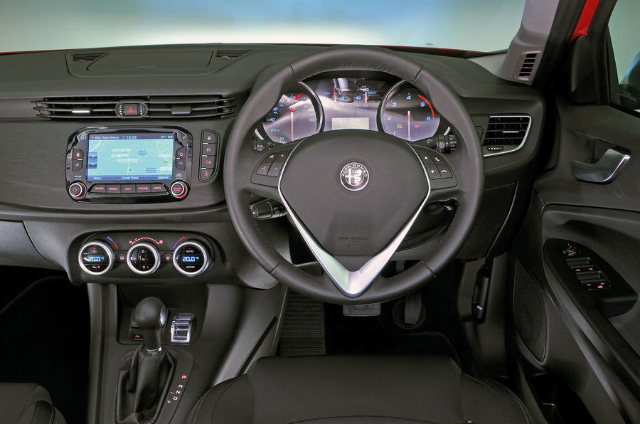Alfa romeo giulietta review autocar for Dash designs car interior shop