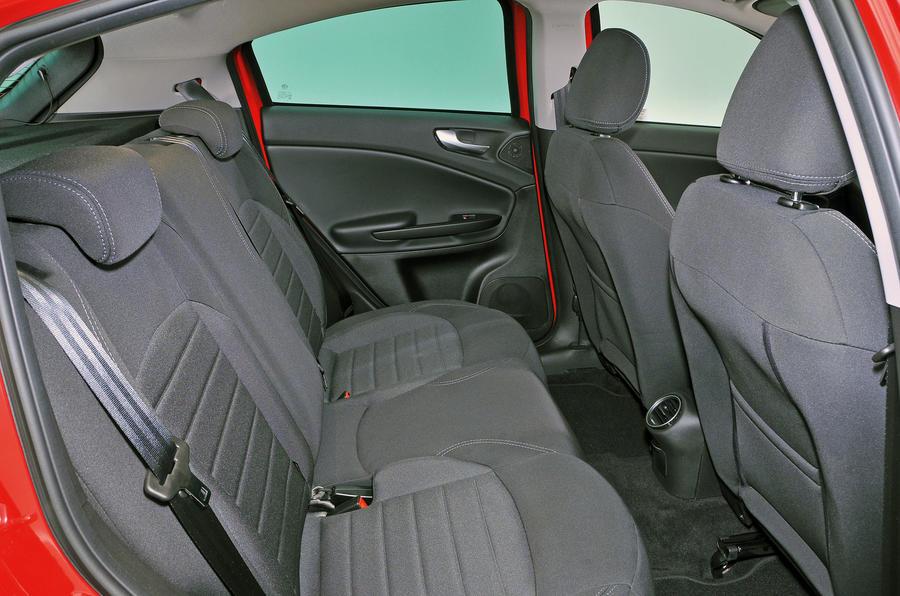 Alfa Romeo Giulietta rear seats