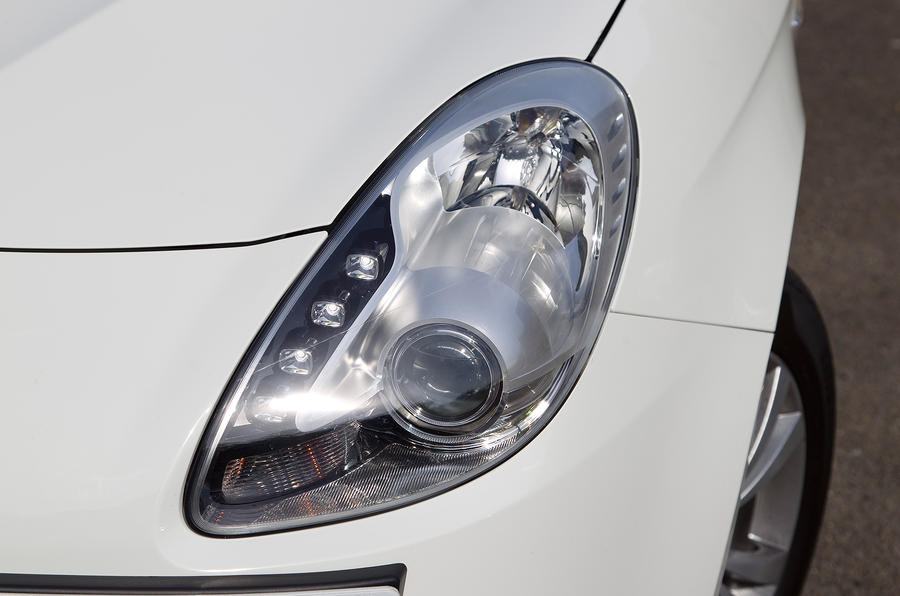 Alfa Romeo Giulietta's LED headlights