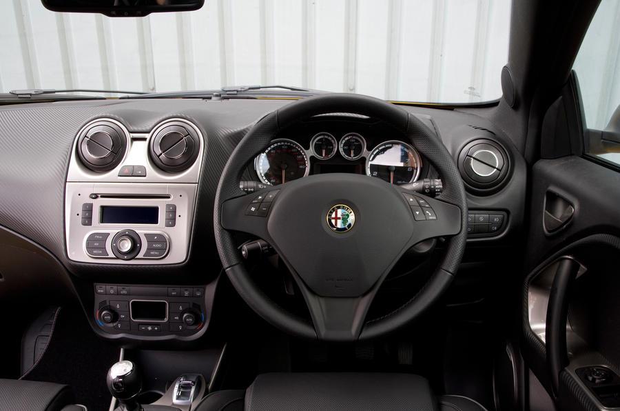 Alfa Romeo Mito Cloverleaf dashboard