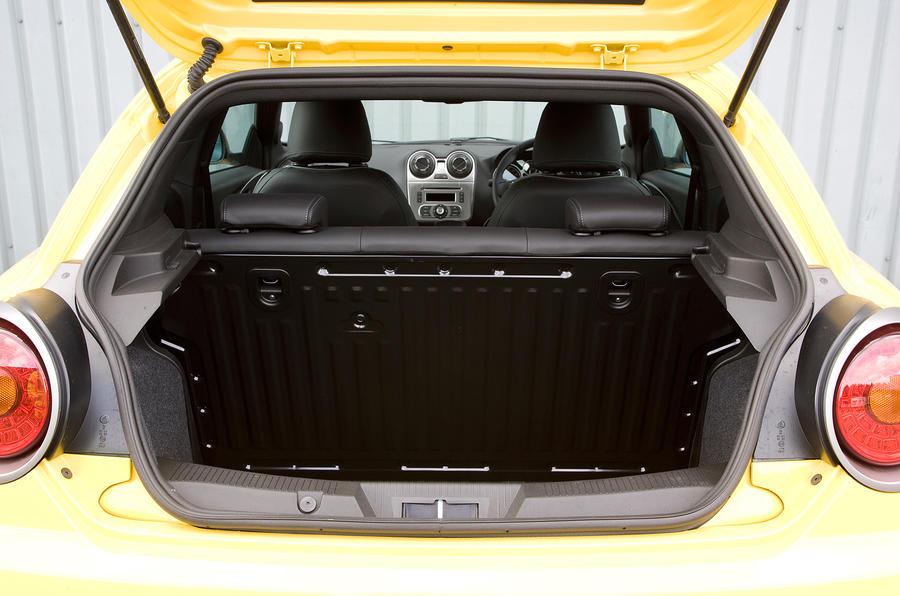 Alfa Romeo Mito Cloverleaf boot space