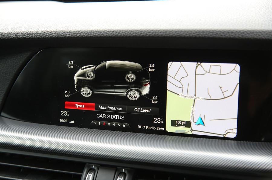 Alfa Romeo Stelvio car status mode