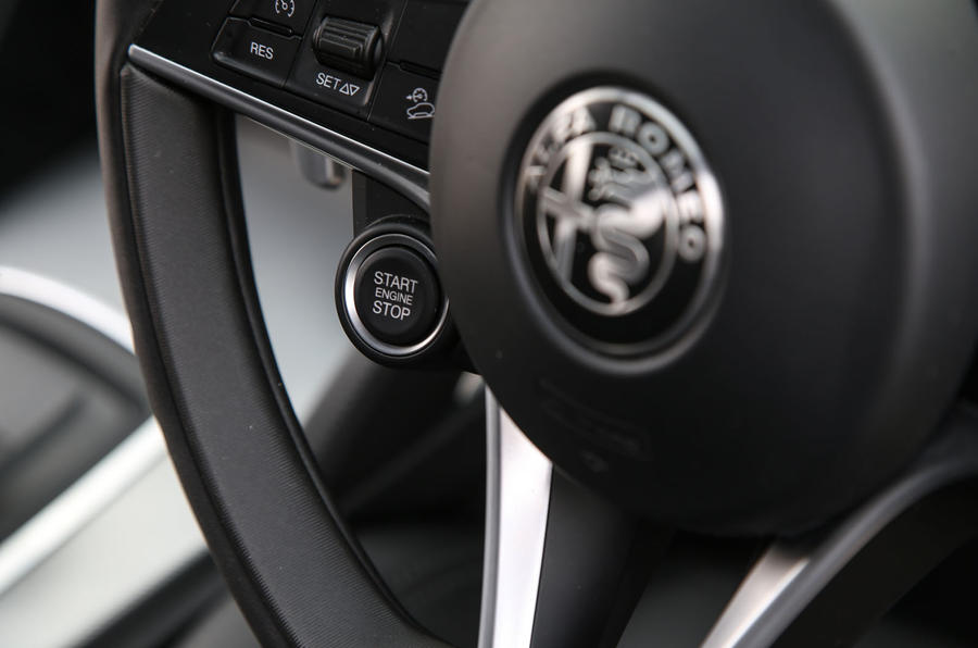 Alfa Romeo Stelvio ignition button