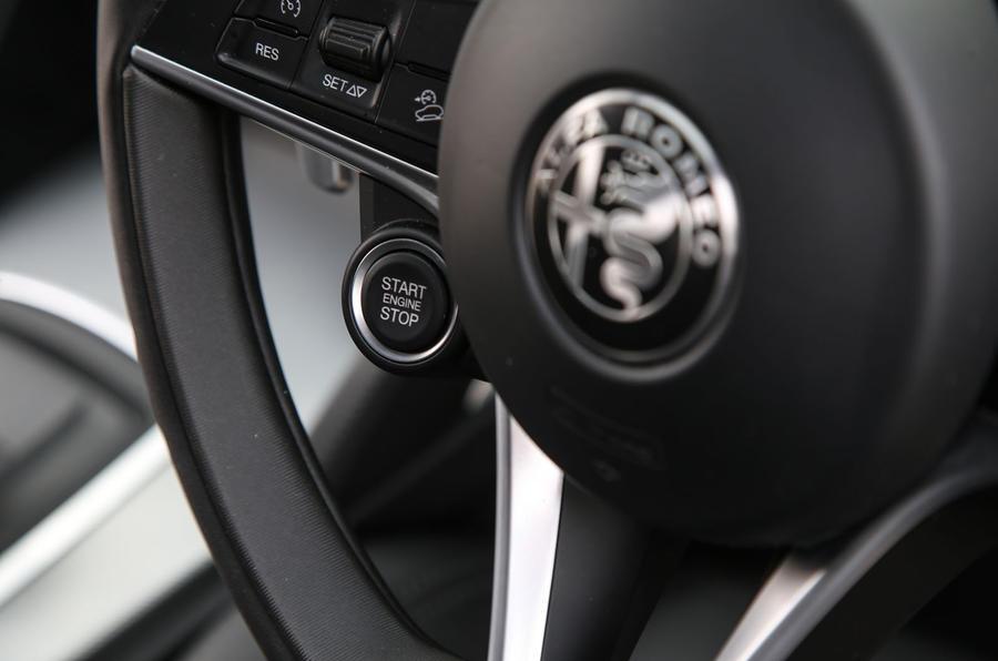 Alfa Romeo Stelvio ignition button