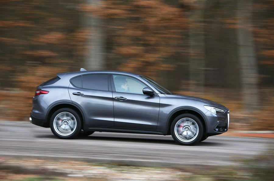 Alfa Romeo Stelvio side profile