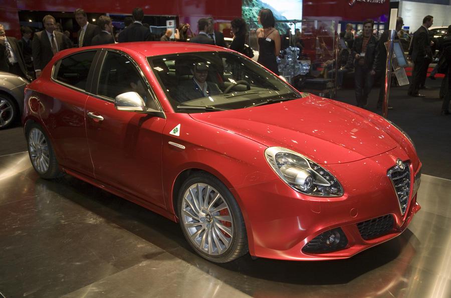 Hot Giulietta targets Golf GTI