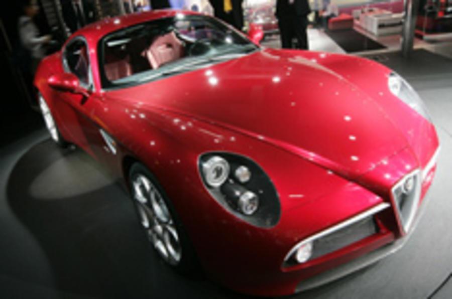 Paris show: Alfa's super-sexy supercar